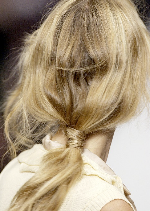 HAIR INSPIRATION BUNS TOP KNOTS BRAIDS MESSY TOUSLED PONYTAILS WRAP OMBRE BACKSTAGE HAIR RUNWAY IDEAS VERSUS 10
