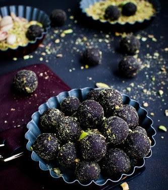 Tartufi al cioccolato e pistacchio