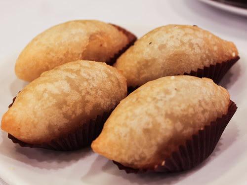 Fried seafood dumplings (稻香超級漁港)