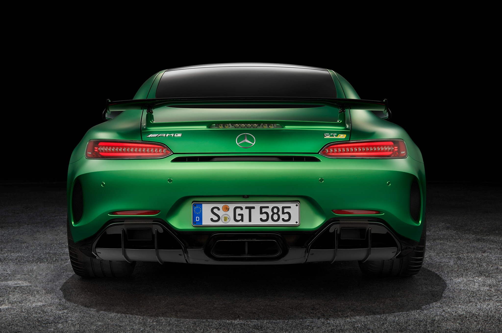 15 Things You Didn't Know About the 2018 Mercedes-AMG GT R