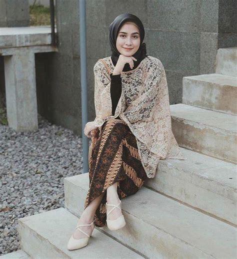 inspirasi fashion hijab cantik elegan  acara kondangan