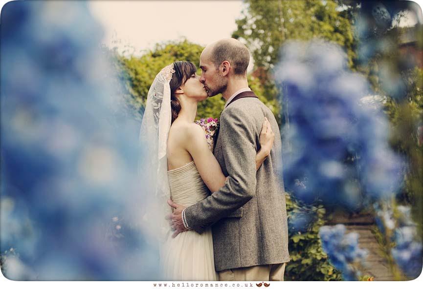 Wedding Photos alternative flowers - Hello Romance