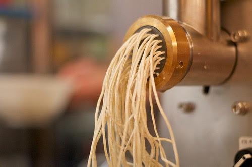 蕎麦自動製麺機!
