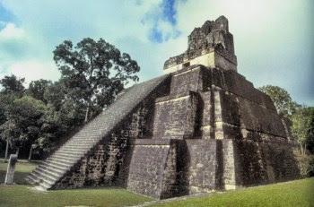 Templo das Máscaras, na cidade de Tikal