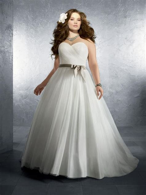 How To Shop For Wedding Dresses Houston TX Plus Size