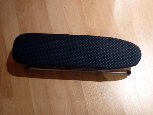 Sleeve ironing board