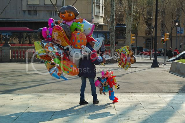 Balloon Man, Barcelona, Spain [enlarge]