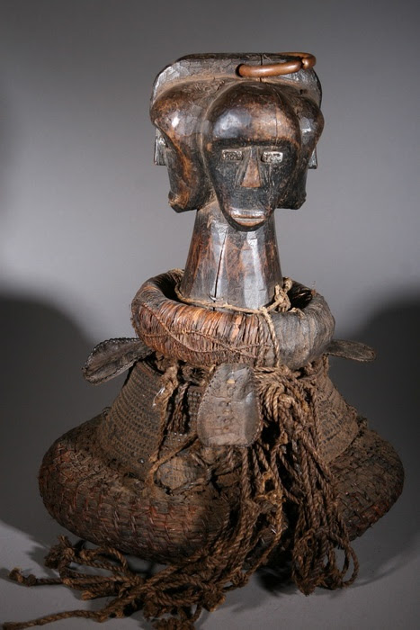 Africa | Reliquary from the Fang people of Gabon | ca. 70 years old | Wood and fiber