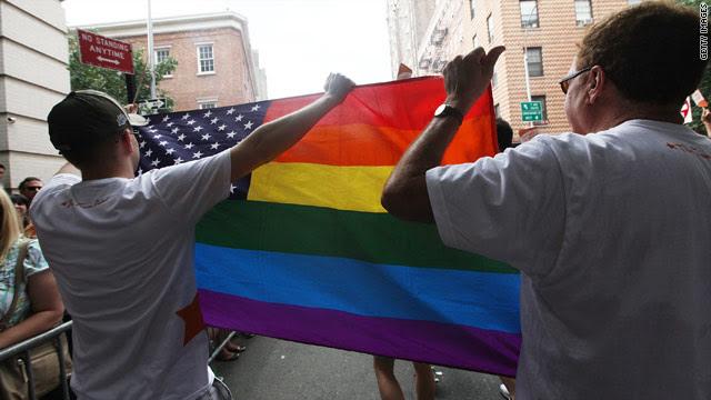 Cónyuges de parejas gay ya pueden solicitar residencia en EE.UU.