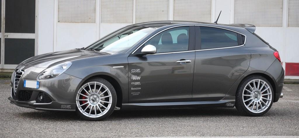 Cadamuro Alfa Giulietta Frontspoiler  Alfa Romeo Shop  Tuning, Styling, Fanartikel und Modellautos