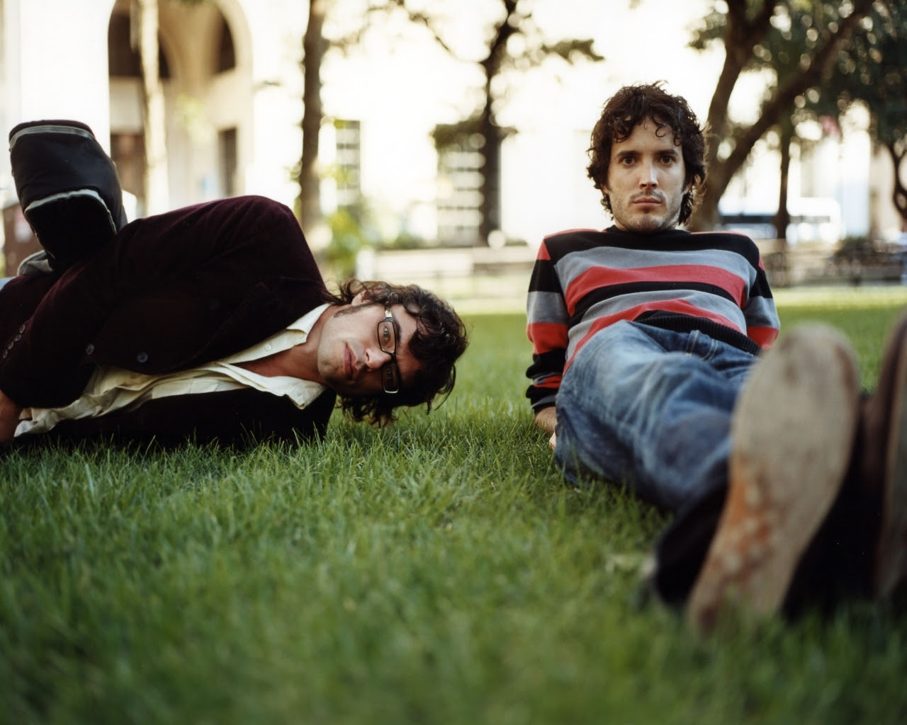 Grass Flight Of The Conchords Bret Mckenzie Jemaine Clement