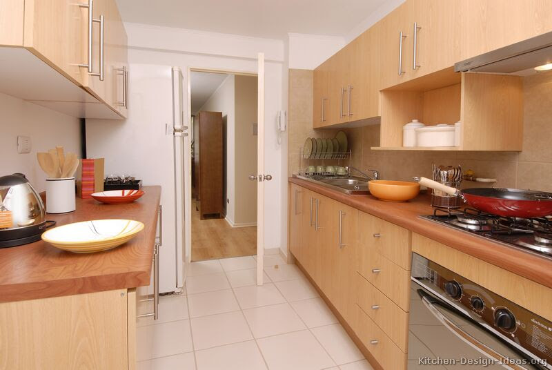 Pictures of Kitchens - Modern - Light Wood Kitchen ...
