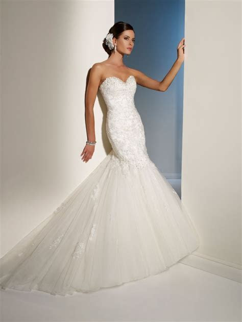 Top 15 Wedding Dresses of 2012 by Mon Cheri   OneWed