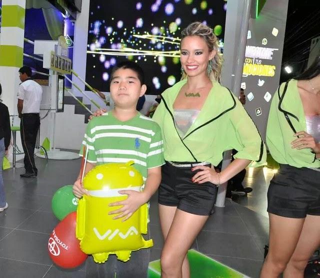 Azafata de la Expocruz 2013