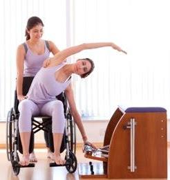 Pilates sobre cadeira de rodas