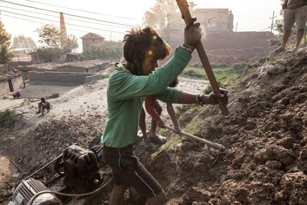 Nepal kids/C13-1.jpg