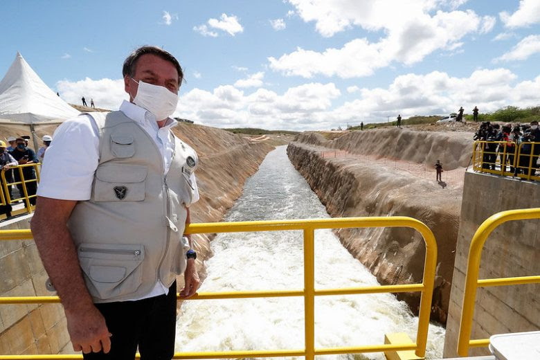 Bolsonaro viaja ao Ceará e inaugura trecho da transposição do Rio São Francisco