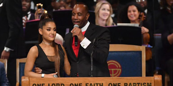 Bispo que apalpou peito de Ariana Grande no funeral de Aretha Franklin ... 1bf59d417c1