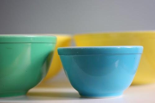 Vintage Pyrex Mixing Bowls!!