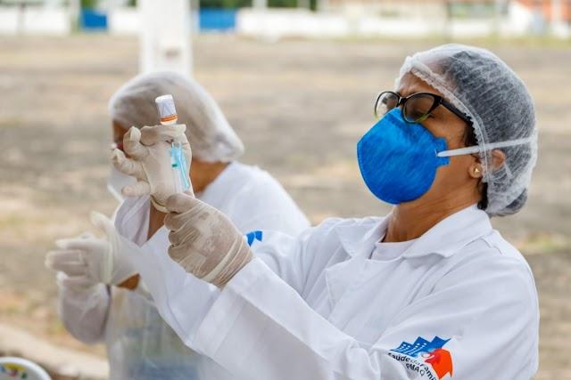 Juazeiro do Norte inicia vacinação contra a Covid-19 para pessoas com 64 anos neste sábado, 17