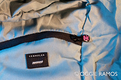 Crumpler-Squid-Zip-and-Material-Details