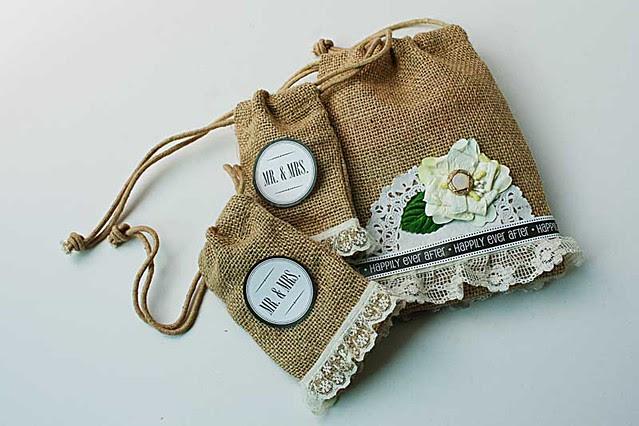 Mr&Mrs-burlap-bags
