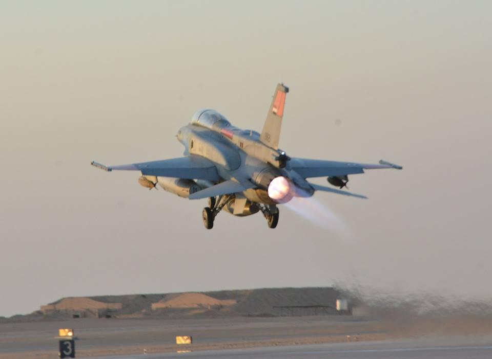 ΕΚΤΑΚΤΟ – Boμβαρδίζει ανηλεώς σε ολόκληρη την Λιβύη η Aίγυπτος ανοίγοντας δρόμο για τον εκλεκτό της Μόσχας – Στον αέρα F-16 Block 52 και Rafale με MICA EM – MICA IR μαζί με E-2C Hawkeye 2000 AEW - Εικόνα9