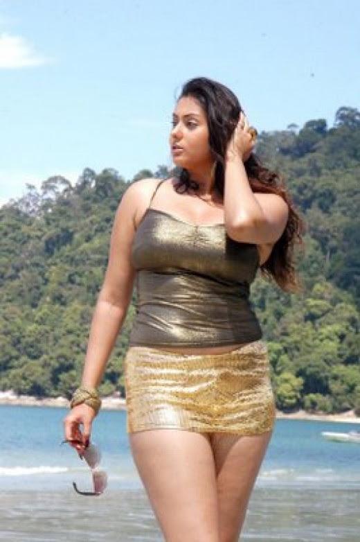namitha navel