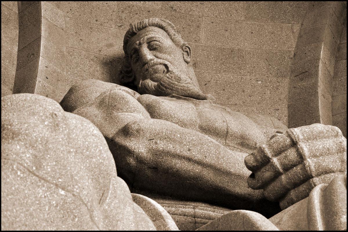O Monumento à Batalha das Nações : O maior monumento da Europa 18