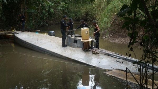 A 17-meter submarine has been seized before it could be used to transport drugs to Europe and North America.
