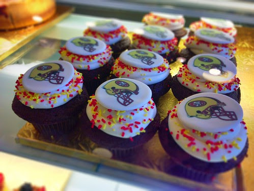 Forty Niners cupcakes