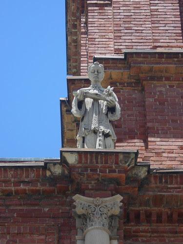basilica statue