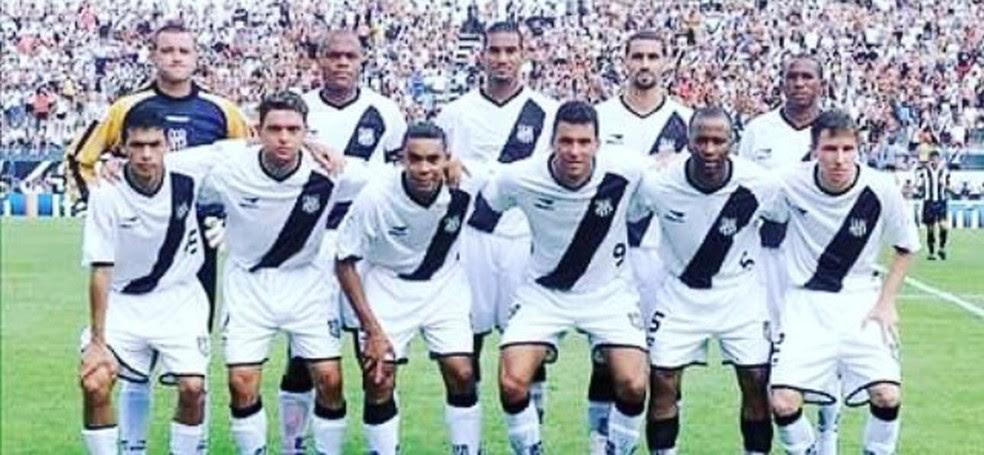 Time que Rodrigão atuou pela Ponte tinha nomes como goleiro Ronaldo, Ronaldão, Mineiro, Elivélton e Washington (Foto: Arquivo pessoal)