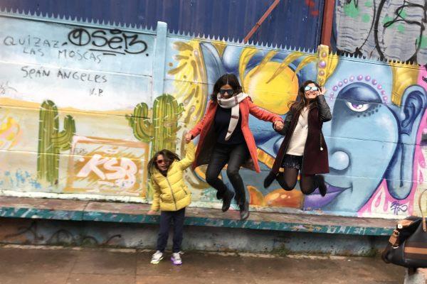 Santiago com crianças (ALT)