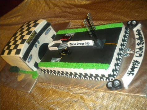 25  best ideas about Racing cake on Pinterest   Race car