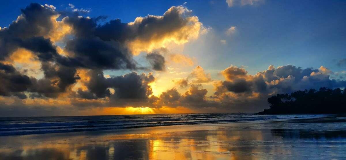 Aglomerado de nuvens próximo ao litoral deve proporcionar chuvas nesta segunda (FOTO; Érico Frota/PAS na Taíba)