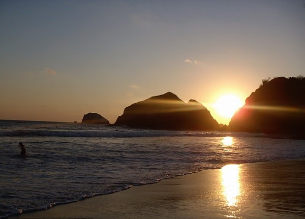 Playa Zipolite. Welcome To The Beach Of The Dead!: 5JAN2016