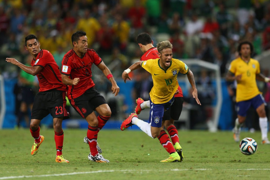 Neymar getting fouled in Brazil vs Mexico in the FIFA ...