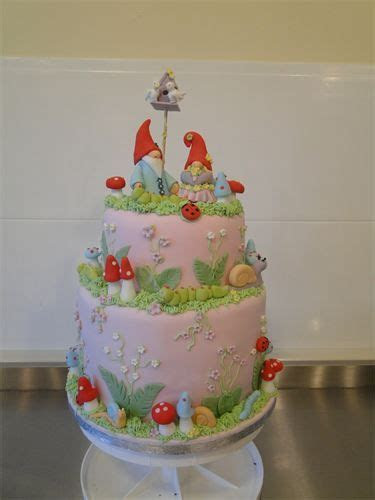17 Best ideas about Toadstool Cake on Pinterest   Fairy