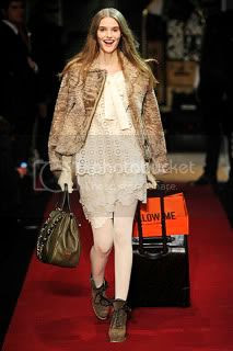 Moschino Cheap & Chic Fall 2010 Milan Fashion Week