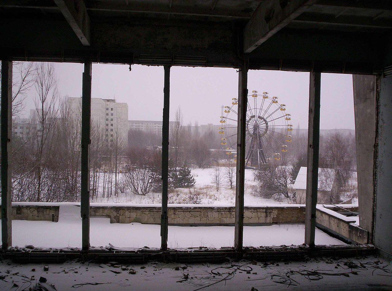 http://upload.wikimedia.org/wikipedia/commons/thumb/5/5b/Pripyat01.jpg/1280px-Pripyat01.jpg