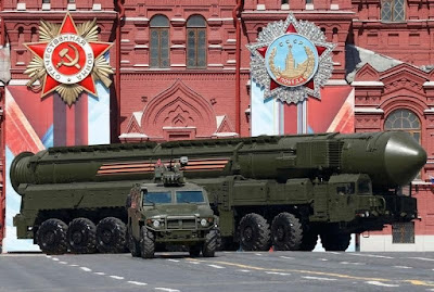 Comparing U.S. And Russian Nuclear Weapons