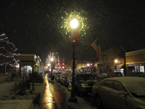 Snowing in Downtown Downers Grove