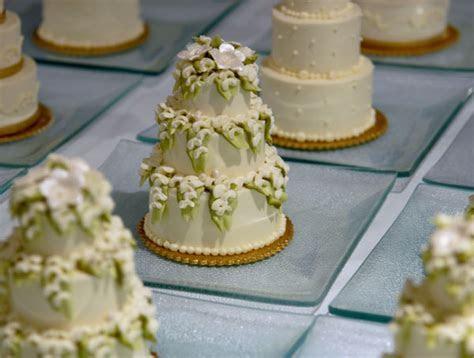The Awesometastic Bridal Blog: Mini Wedding Cakes!