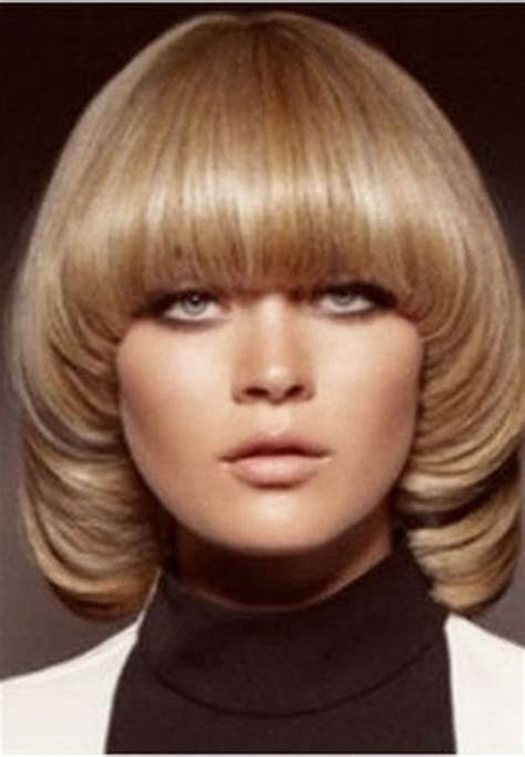 Long Pageboy Hairstyle Pictures   LONG HAIRSTYLES