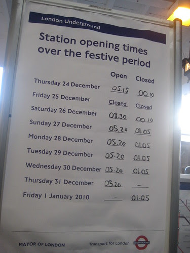 Festive opening times for the Tube