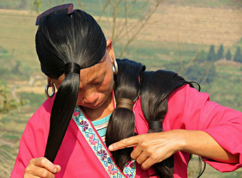 """Nesta aldeia vivem as """"Rapunzels"""" com o cabelo mais longo do mundo e guardam um curioso segredo 14"""