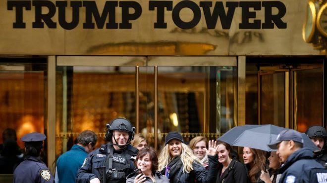 La torre Trump era frecuentada por miles de personas en Nueva York. Ahora no pueden entrar sin someterse a altos controles de seguridad.