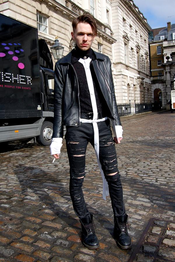 torn_pants_London_Fashion_Week