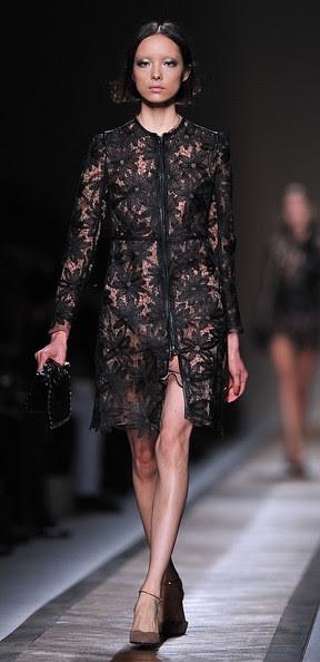 Valentino+Runway+Paris+Fashion+Week+Spring+RNjfn48b3rsl